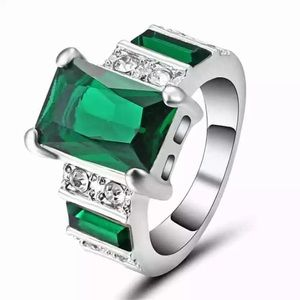 Emerald Green Ring size 6. Gorgeous!